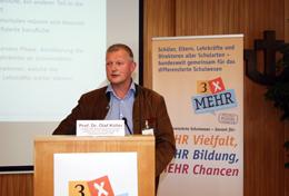 Prof. Dr. Köller beim Vortrag