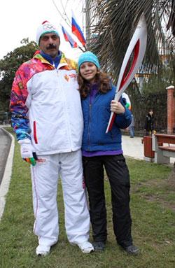 Auch Alona durfte die Fackel des Olympischen Feuers in die Hand nehmen