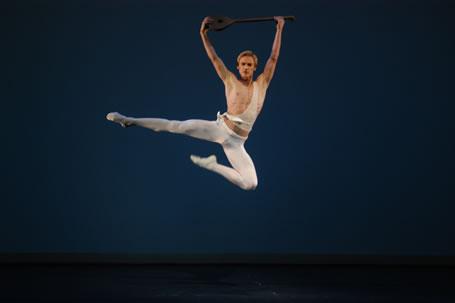 Igor Zelensky in der Terpsichore der vierten Gala in der Rolle des Apollo