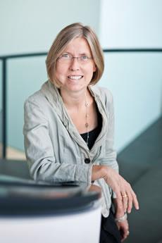 Dr. Angelika Nollert