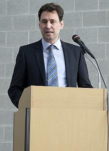 Staatssekretär Georg Eisenreich bei seinem Grußwort