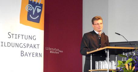Staatssekretär Bernd Sibler bei seiner Rede