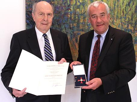 Wissenschaftsminister Dr. Ludwig Spaenle mit Prof. em. Dr. Hans Borst