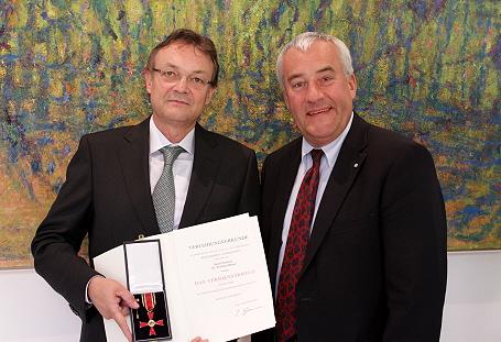 Wissenschaftsminister Dr. Ludwig Spaenle mit Prof. Dr. Wolfram Mauser