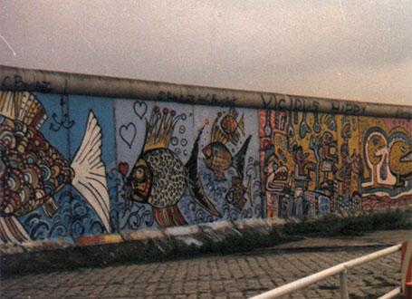 Die Berliner Mauer aus