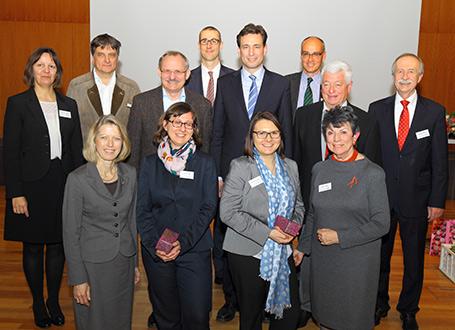 Bildungsstaatssekretär Georg Eisenreich mit den Veranstaltern und Moderatoren