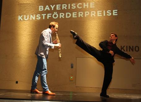 Auftritt der Künstler Christian Elin und Wlademir Faccioni im Jahr 2013 (v.l.n.r.)