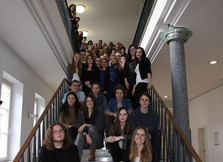 Die jungen Schriftstellerinnen und Schriftsteller im Anschluss an die Buchpräsentation
