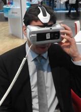 Eintauchen in digitale Welten: Staatssekretär Georg Eisenreich erprobt virtuelle Technik