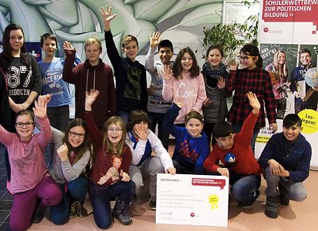 Schülerinnen und Schüler der siegreichen Ethikgruppe der Albrecht-Dürer-Mittelschule Haßfurt