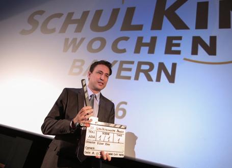 Bildungsstaatssekretär Georg Eisenreich eröffnete die SchulKinoWoche Bayern 2016 in Erding