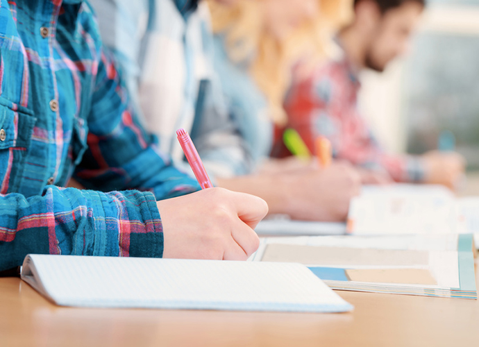 Durch den neuen Terminplan erhalten Schülerinnen und Schüler eine angemessene Vorbereitungszeit
