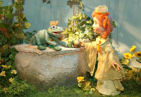 Das Märchen vom Froschkönig in der Version der Augsburger Puppenkiste