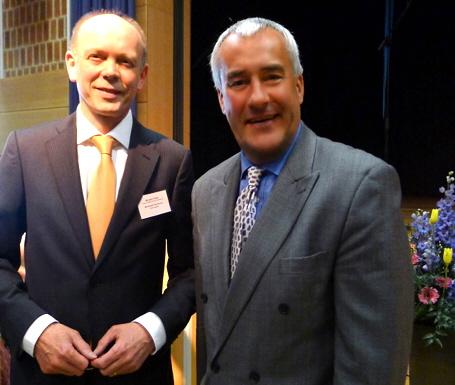 Schulleiter Bernhard Vonbrunn mit Kultusminister Dr. Ludwig Spaenle