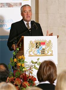 Kultusminister Ludwig Spaenle bei seinem Grußwort