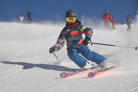 Faszination Skisport: mit Sicherheit und Rücksicht ein großes Vergnügen
