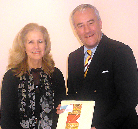 Kultusminister Dr. Ludwig Spaenle mit Enia Kupfer vom Diaspora-Museum Beit Hatfutsot in Tel Aviv