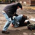Junge verprügelt Mitschüler