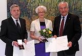 Staatsminister Dr. Ludwig Spaenle mit Verena und Bernd Klüser
