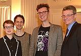 Staatssekretär Sibler mit drei der ausgezeichneten Autoren