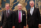 Kultusminister Dr. Ludwig Spaenle mit dem ehemaligen Amtschef Dr. Adalbert Weiß und dessen Nachfolger Dr. Peter Müller