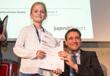 Sophia Streubel neben Staatssekretär Georg Eisenreich