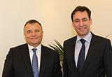 Bildungsstaatssekretär Georg Eisenreich mit dem Generalkonsul der Russischen Förderation Sergey Pavlofitsch Ganzha