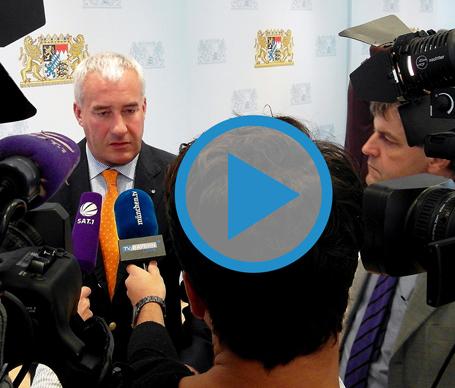 Pressekonferenz mit Minister Dr. Ludwig Spaenle