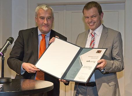 Kunstminister Dr. Ludwig Spaenle mit Michael Volk vom Volk Verlag