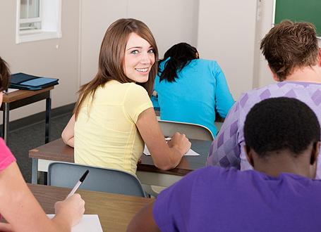 Schülerin im Unterricht