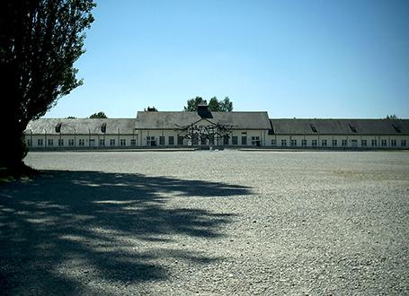 Der ehemalige Appellplatz in der KZ-Gedenkstätte Dachau