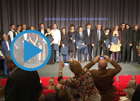 Preisträger auf Bühne